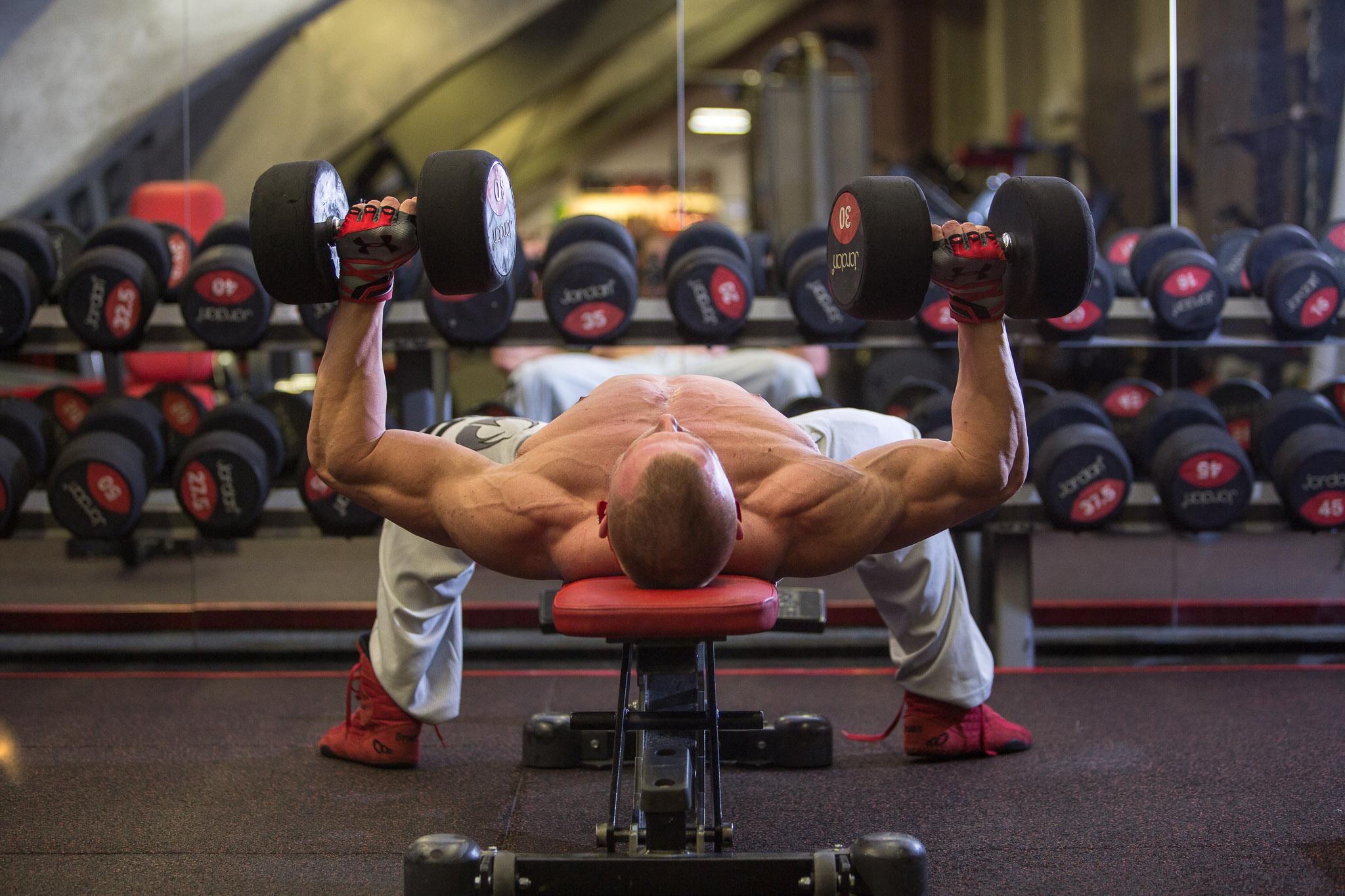 osobní trenér | Hammer strength fitness | photo: kubajsz.com